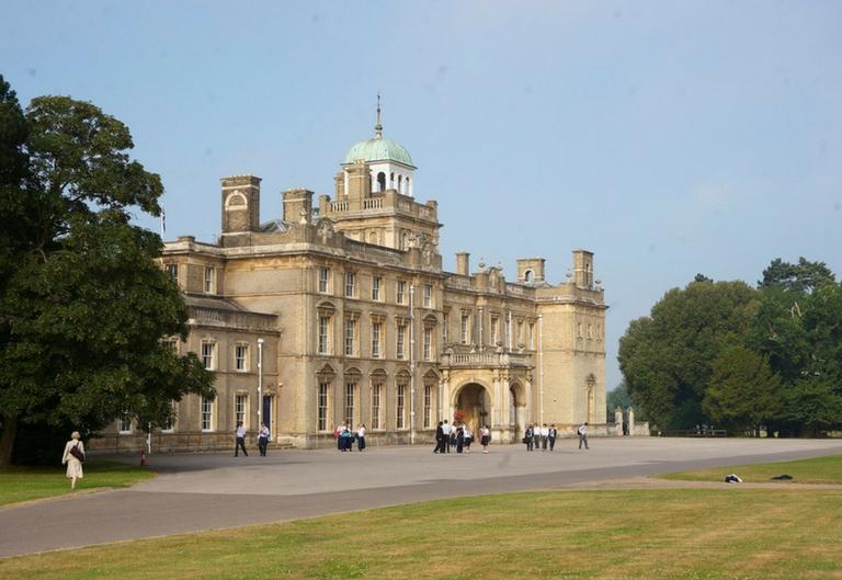 CAMBRIDGE - Ljetni tečaj za djecu i mlade 7-25