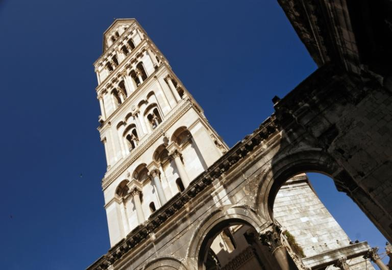 Split Walking Tour and Trip to Trogir