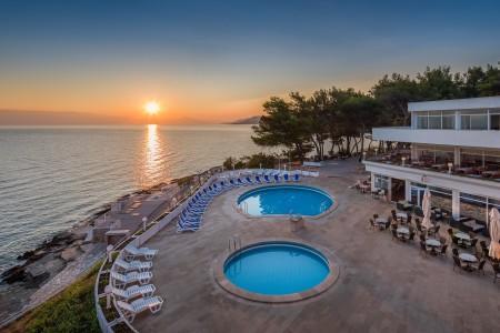 Turističko naselje Adriatiq Resort Fontana 2* / 4*