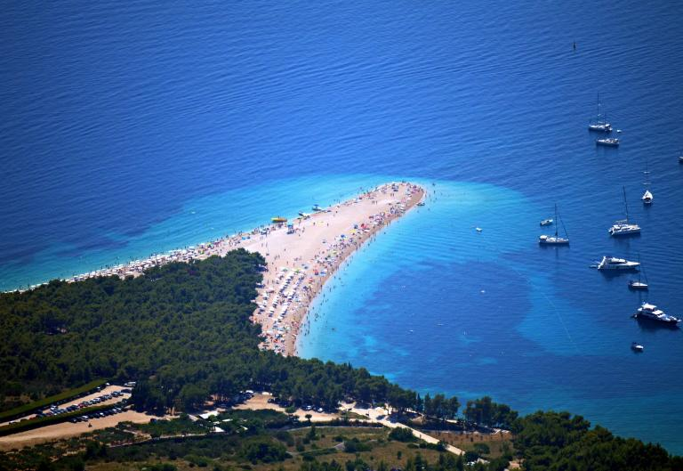 Odmor na Braču - izravni let Croatia Airlinesa!